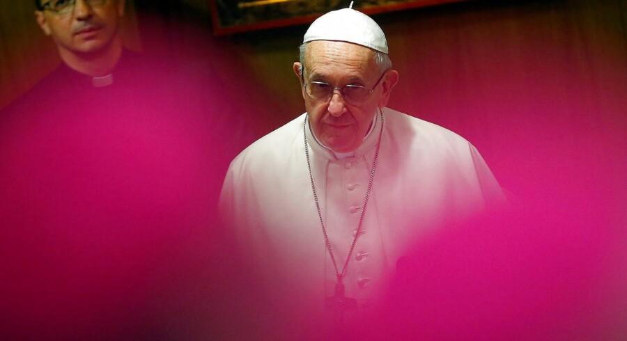 Pave Frans taler i et fortroligt brev om »smertefuldt og skamfuldt misbrug af mindreårige« i den chilenske kirke.
