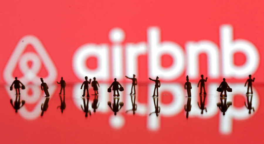 FILE PHOTO: A 3D printed people's models are seen in front of a displayed Airbnb logo in this illustration taken, June 8, 2016. REUTERS/Dado Ruvic/Illustration/File Photo