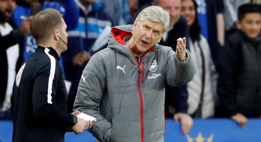 Arsène Wenger tror på, at klubfodbolden i Europa om få år vil se anderledes ud end i dag. Reuters/Carl Recine