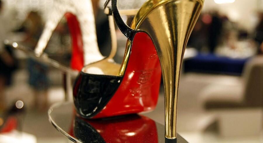 Arkivfoto: Sko fra mærket Louboutin, der kendetegnes ved de røde såler.