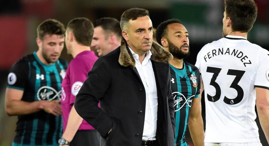 Manager Carlos Carvalhal håber på et mirakel, så Swansea kan redde sig i Premier League. Reuters/Rebecca Naden