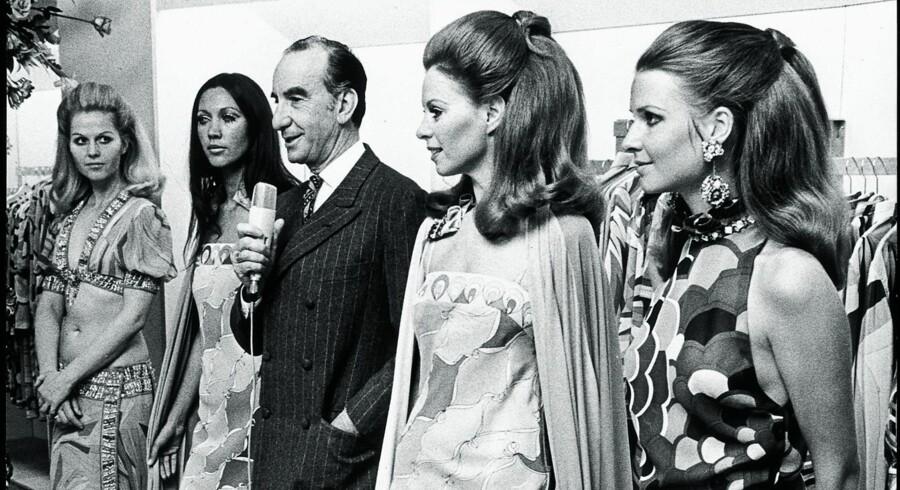 Den italienske designer Emilio Picci med hans designs i Magasin 1970. Også Christian Dior gæstede stormagasinet. Det var i 1957, og han blev så begejstret for en af Magasins Modelsalons kjoler, at han bad om at få den opkaldt efter en af sine parfumer. Foto fra »Damen i midten«, Gads Forlag.