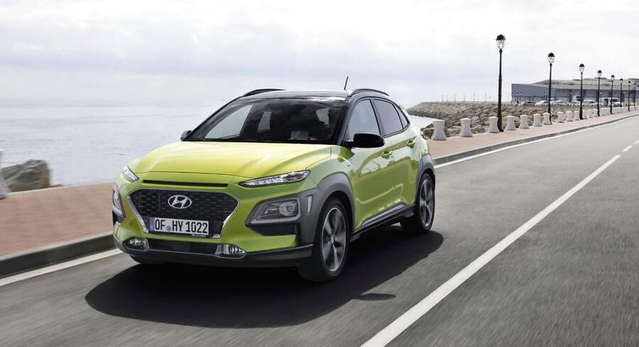 Hyundais nye satsning hedder Kona, og den lille SUV fås i Danmark fra januar til priser mellem 179.995-329.995 kr. To benzinmotorer tilbydes, senere kommer en elektrisk udgave