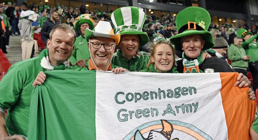 Irske fans under VM play off fodboldlandskamp, Danmark-Irland, i Telia Parken i KÔøΩbenhavn lÔøΩrdag den 11. november 2017. Foto: Lars Møller, Scanpix