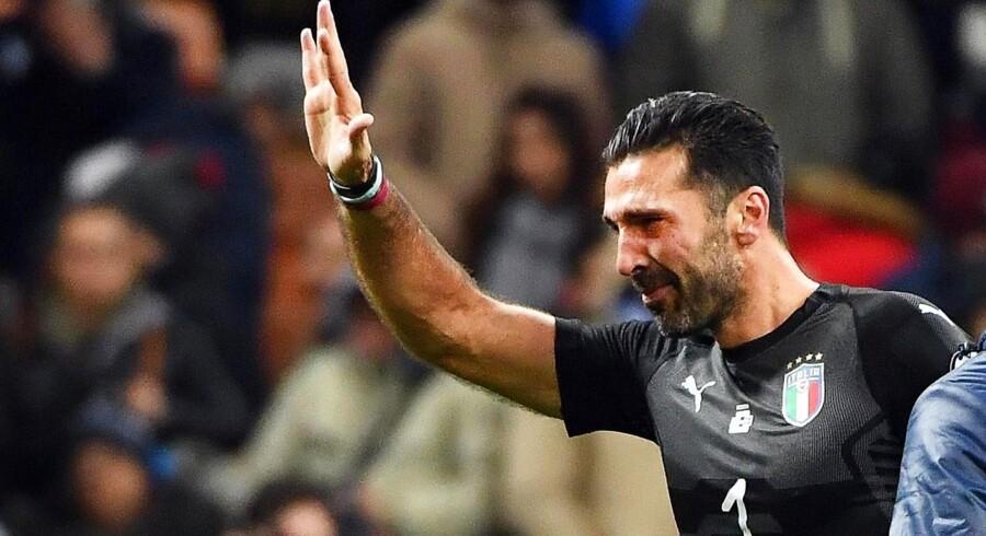 Mandagens kamp mod Sverige var Gianluigi Buffons 175. landskamp for Italien. Og den blev også den sidste EPA/DANIEL DAL ZENNARO