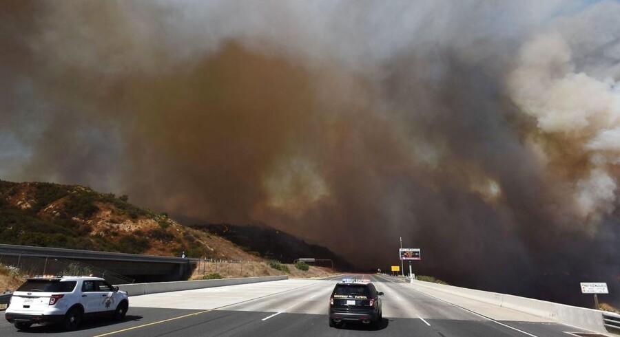 Det er det største antal dødsofre for naturbrande i delstaten siden 1991, da 25 mennesker omkom i Oakland Hills.
