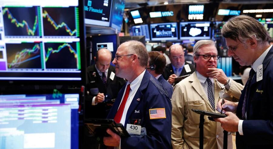 Traders work on the floor of the New York Stock Exchange in New York, U.S., June 1, 2016. REUTERS/Lucas Jackson