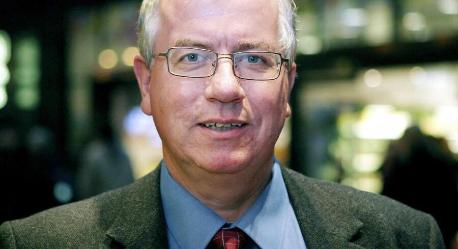 Kjeld Møller Pedersen er professor i sundhedsøkonomi. Det er ifølge ham »forståeligt«, at antallet af private sundhedsforsikringer er stadig stigende - på trods af afskaffelsen af skattefradraget på dem.