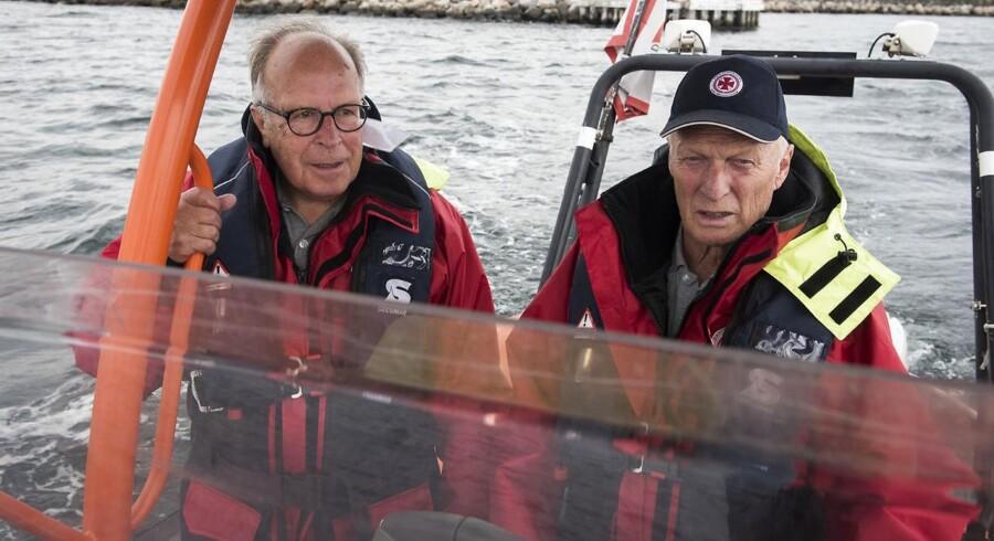 Karsten Bertelsen og Preben Lind Jepsen er reddere ved Dansk Søredningsselskab ved Helsingør havn. Her hjælper de sejlere i nød.