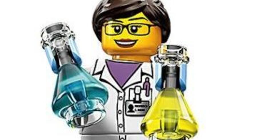 Figuren hedder på engelsk »Scientist« og er en af Legos 16 nye figurer i selskabets Minifigures serie 11. Foto: Lego