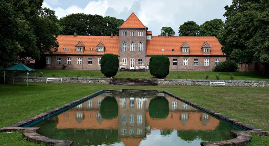 Hald Hovedgård set fra Hald sø-siden.