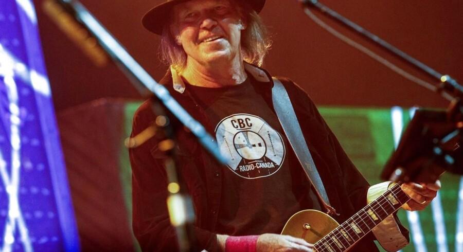 Neil Young må aflyse koncert i Danmnark.