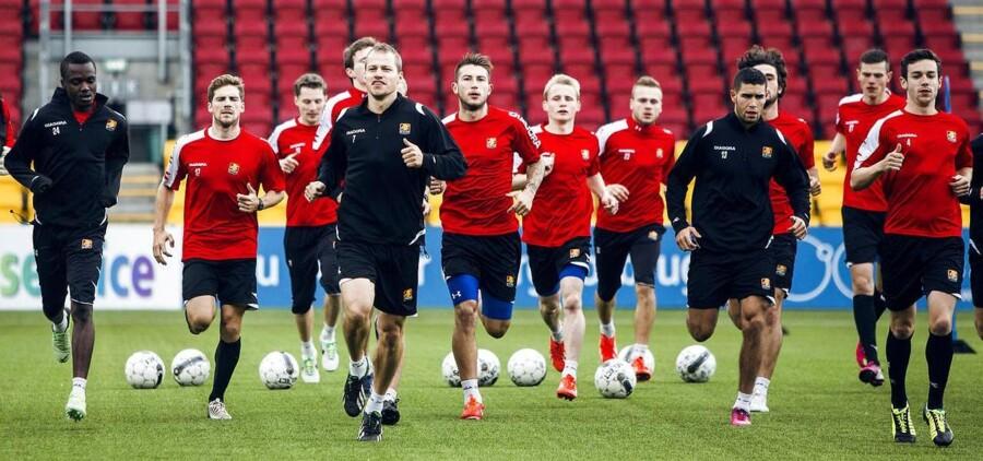 Spillerne fra FC Nordsjælland mødes til den første træning efter sommerferien tirsdag d. 25 juni 2013 i Farum Park. Det er stort set et helt nyt hold, der løber på banen i aften, når den russiske stjernehimmel står i Zenit over Farum Park.