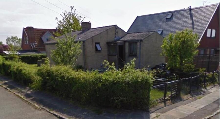 Dette hus, hvor rockeren 'Makrellen' boede, på Amager er nu sat til salg.
