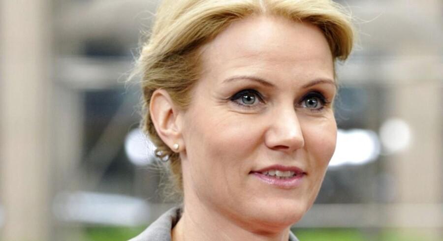 Statsminister Helle Thorning Schmidt (S) mener, Danmark har fundet et miks med styr på økonomien, hånden under beskæftigelsen og reformer.