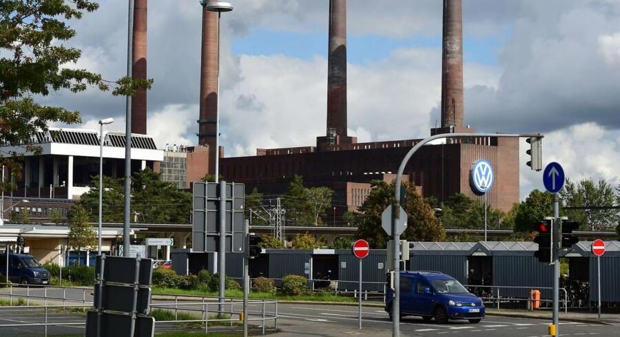 I dag offentliggøres nøgletal over den tyske arbejdsløshed. Oven på skandalen hos Volkswagen bliver det spændende at se tallene. Selvom det muligvis kan være for tidligt at spore skandalen i statistikkerne, er flere økonomiske eksperter i Tyskland bekymrede for situationen.