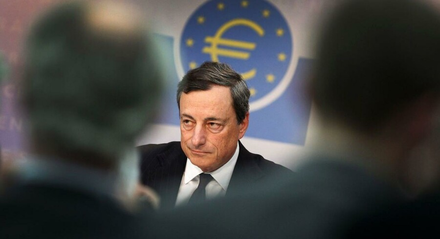 Mario Draghi,centralbankchefen i ECB, varsler fortsat lave renter.