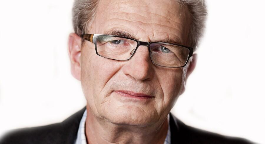 Holger K Nielsen, skatteminister (SF).