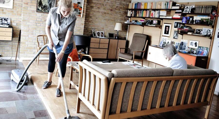 Det var i orden, at Køge Kommune ændrede hjemmehjælpsstandarden med henvisning til besparelser, så to borgere på henholdsvis 77 og 87 år fik en ringere hjælp, fastslår Højesteret.