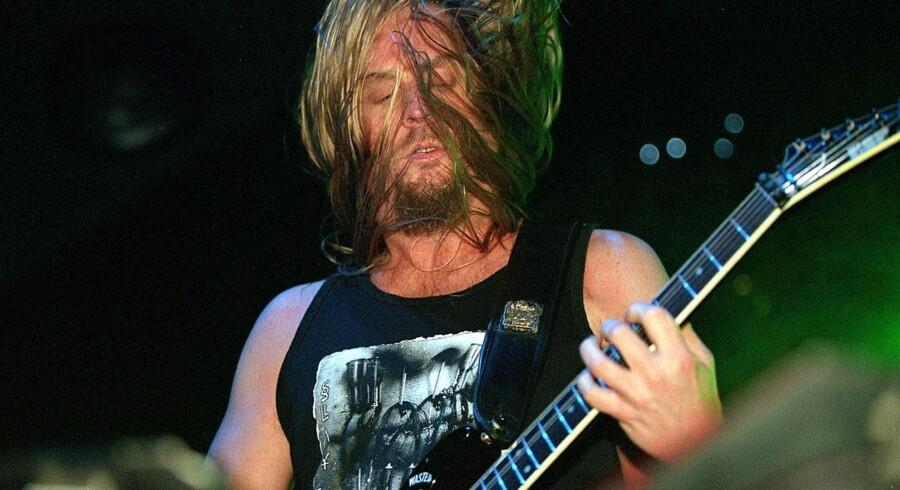 Guitarist i Slayer, Jeff Hanneman døde torsdag morgen amerikansk tid af leversvigt som følge af et edderkoppebid i 2011. Her ses han under koncerten i K.B. hallen.