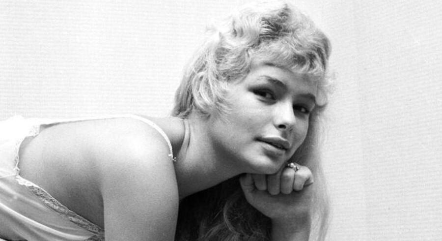 Den danske fotomodel, sangerinde og skuespiller Vivi Bak blev 73 år.