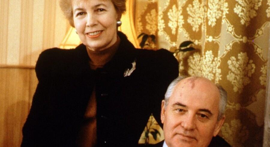 Raisa Gorbatjova (5.1.1932 - 20.9.1999) med sin mand, den tildligere russiske præsident Mikhail Gorbatjov. Foto: Scanpix