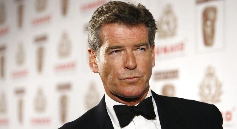 Pierce Brosnan har spillet James Bond fire gange. Nu mener han tiden er inde til en sort 007.