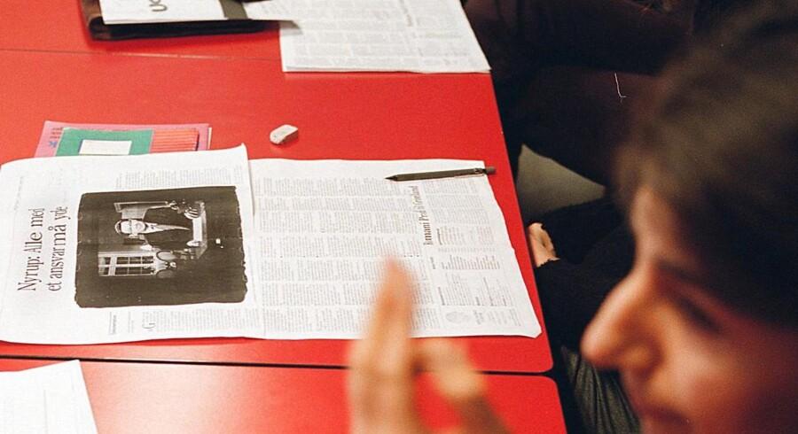 Nyankomne lærer for lidt om danske samfundsforhold på danskuddannelserne. Her undervises nydanskere på AOF på ØSTERBRO i København. Foto: Simon Knudsen