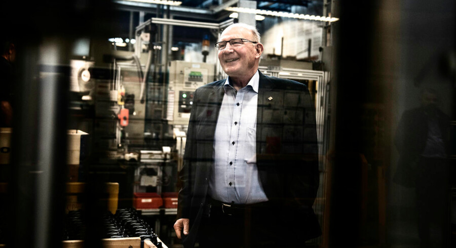 Grundfos' ejer Niels Due Jensen fotograferet i produktionen i Bjerringbro.