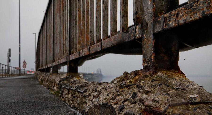 Finansieringen af en ny Storstrømsbro er faldet på plads mellem partierne i trafikforliget. Pengene kommer fra et billigere signalprogram.