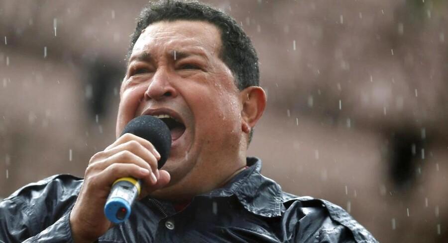 Hugo Chávez i en tale i regnen i Caracas i oktober 2012.