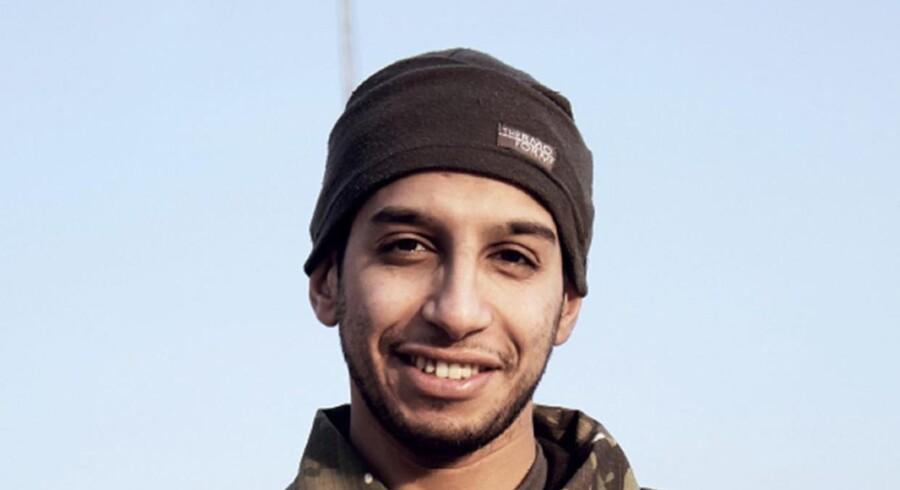 Belgiske Abdelhamid Abaaoud, en af terroristerne bag terrorangrebet i Paris, var en såkaldt syrienkriger, der havde rejst fra Syrien til EU, uden nogen havde opdaget det. Det skal der nu sættes stopper for med obligatorisk kontrol af alle EU-pas. Scanpix/-