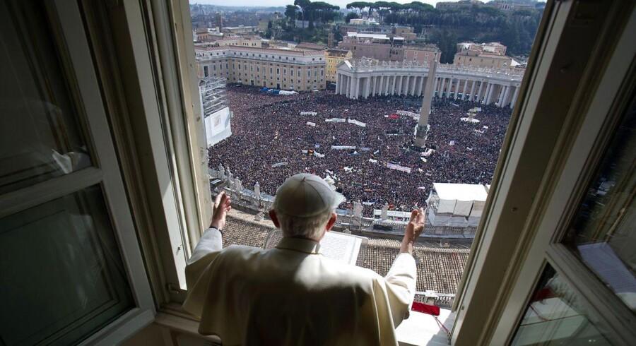 Pave Benedikt holdt sin sidste Angelus-bøn (Angelus betyder engel, red.) fra sin lejlighed i Vatikanet søndag den 24. feb. 2013.