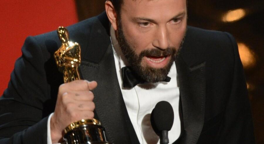 """Ben Affleck med sin Oscar, som han fik for """"Argo"""", der blev årets bedste film."""