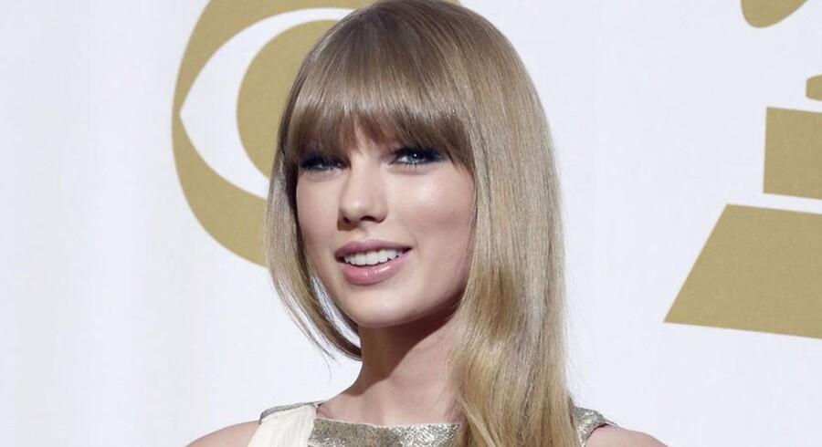 Den 55. Grammy Awards-uddeling fandt sted natten til mandag i Los Angeles i Californien. Rihanna, Alicia Keys, Taylor Swift, LL Cool J, Fun. og Jack White var blandt de optrædende.