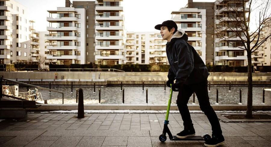 Is- og kuldegrader afholder ikke Victor, 13 år, fra at tage en tur på løbehjulet ved Tuborg Havn.