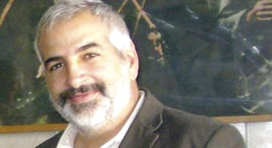 Den amerikanske stjernereporter Anthony Shadid mistede i februar 2012 livet, mens han var på vej til at krydse grænsen mellem Syrien og Tyrkiet på en hemmelig reportagetur for New York Times. Shadid nåede to gange at blive belønnet med den fornemme Pulitzerpris for sin dækning af konflikterne i Mellemøsten, og han skrev i løbet af sin karriere for en række førende amerikanske aviser, herunder New York Times, Washington Post og The Boston Globe.