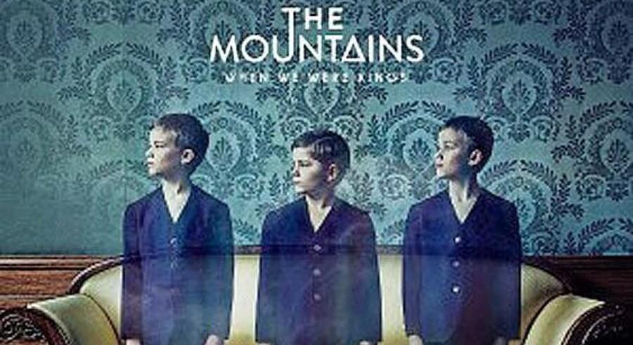 Anmelderen savner at The Mountains støder lidt dybere på deres andet album »When We Were Kings«.