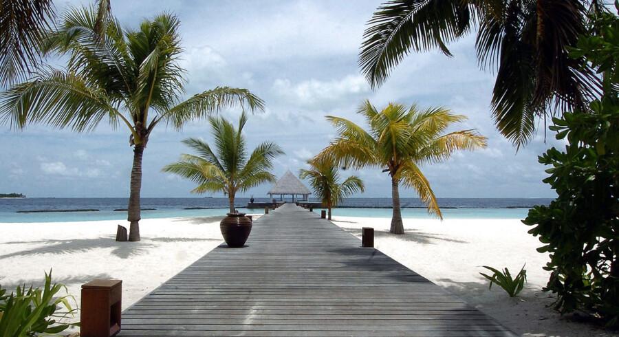 Maldivernes er kendt for paradisstrande, men østaten følger streng islamisk lov.