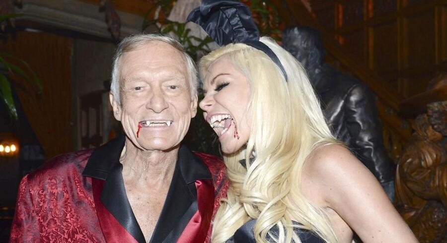 Hugh Hefner og hans - måske - kommende hustru Crystal Harris til Halloween-fest på the Playboy Mansion i Los Angeles.