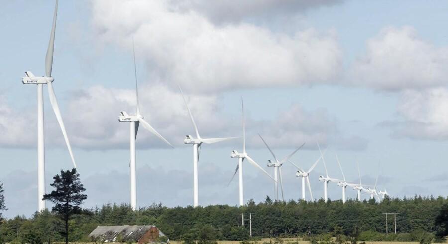 En naboklage har sat en foreløbig stopper for et omdiskuteret vindmølleprojekt ved Ulvemosen i Varde Kommune. Nørhede-Hjortmose Vindmøllemark