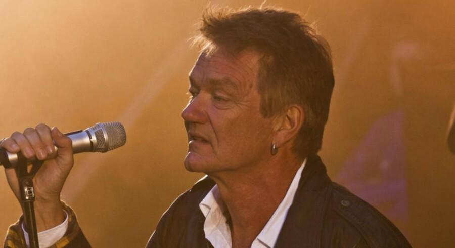 Lars Lilholt spillede i aftes i Lystanlægget.