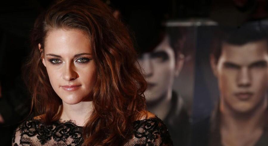 Den kvindelige hovedrolleindehaver Kristen Stewart til den europæiske premiere på i London.
