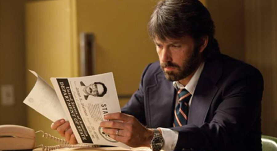 Ben Affleck både instruerer filmen og spiller rollen som CIA-agenten Tony Mendez.