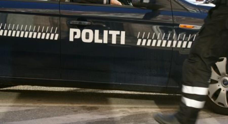 Politiet i Sønderborg er rykket ud med skudsikre veste og maskinpistoler til et skyderi i Sønderborg. Free/Colourbox