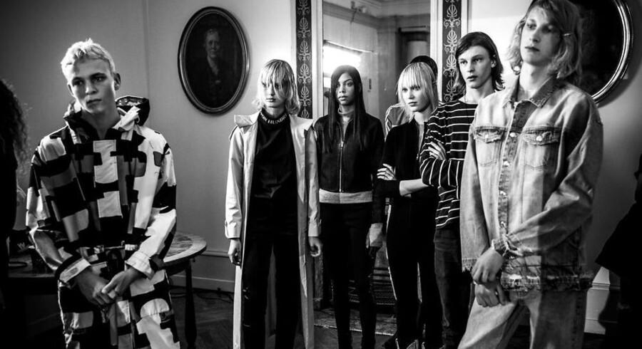 Berlingskes fotograf fik lov at komme med backstage, da Won Hundred indtog Store Kannikestræde i Indre By. Foto: Søren Bidstrup.