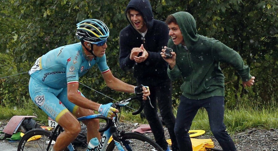 Vincenzo Nibali forlader Astana. Reuters/Juan Medina