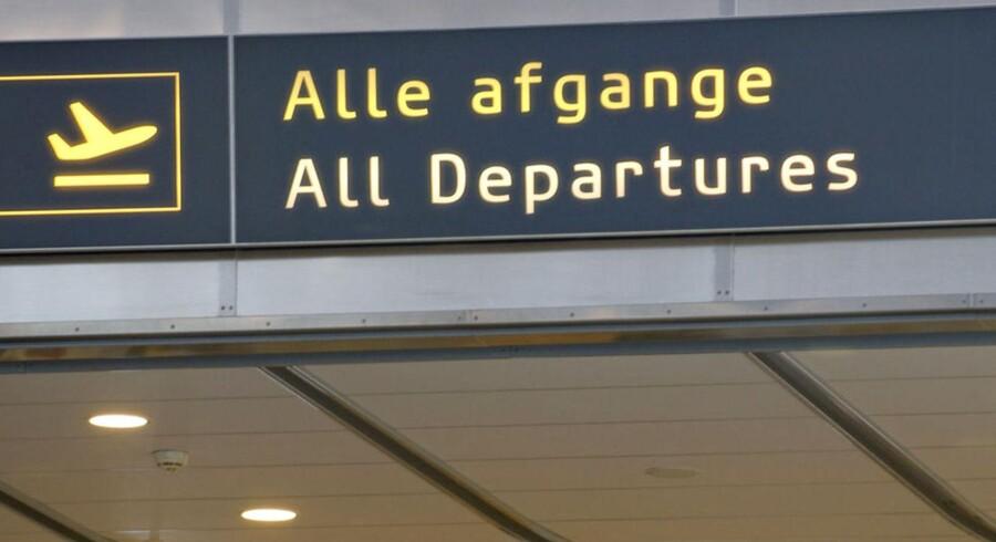 Det har været svært at trække chartergæsterne til de jyske lufthavne i juli.