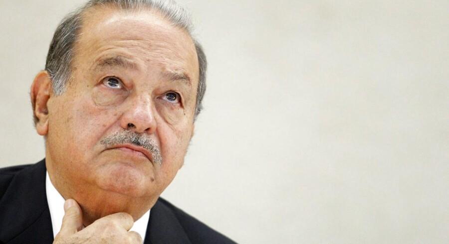 Verdens næstrigeste mand, mexicaneren Carlos Slim, er under pres i sit hjemland.