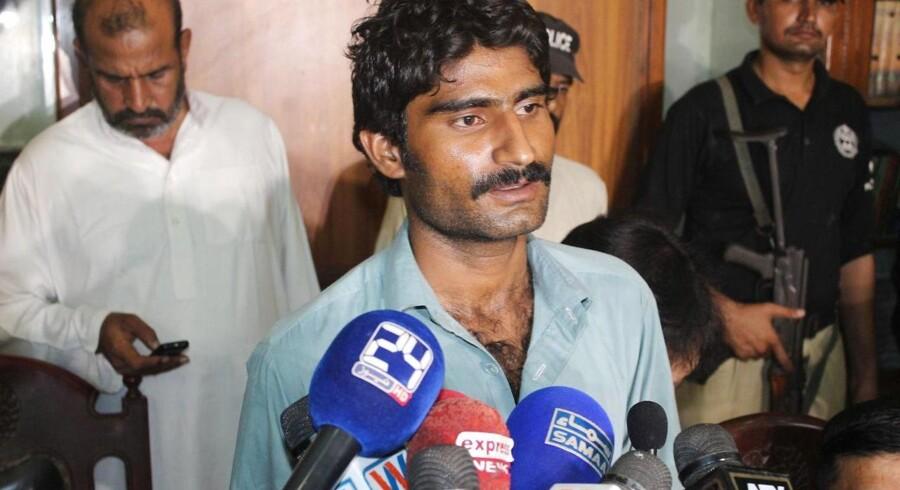Waseem Baloch indrømmer at stå bag æresdrabet på sin søster, den pakistanske feminist og superstjerne Qandeel Baloch. Vovede billeder og bramfri facebook-opdateringer blev for meget for broren, der nu sigtes af den pakistanske stat for mord. Foto: Faisal Kareem